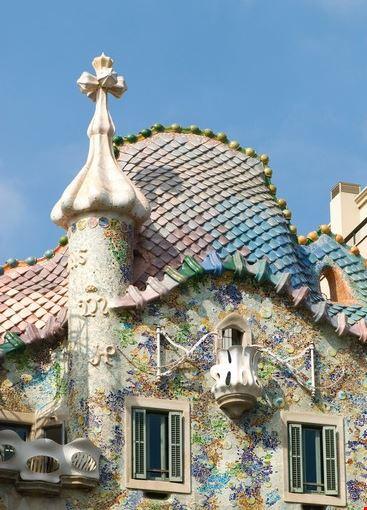 Foto la facciata di casa batllo a barcellona 367x550 for Immagini di casa