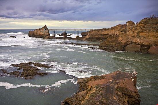 biarritz virgin on the rock