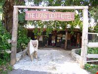 Lions Den Hotel