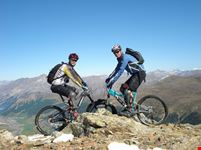 como mountain biking above livigno
