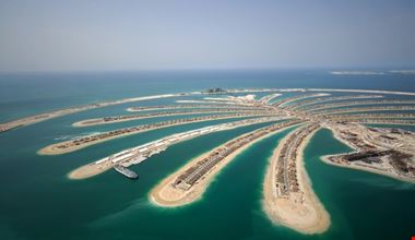 dubai aerial view of jumeirah palm island