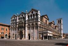 La Piazza davanti la Cattedrale