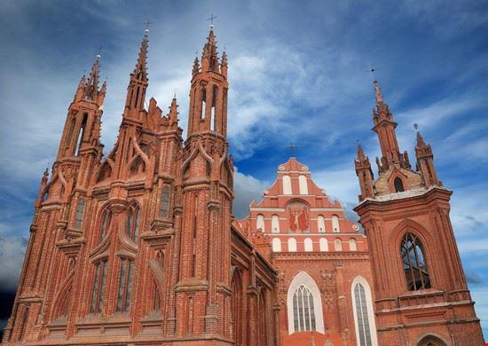 22350 vilnius st anne´s church