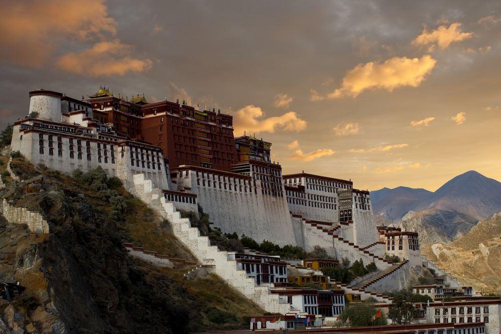 22746 lhasa potala palace