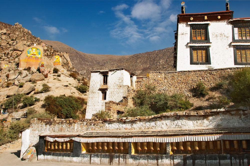 22747 lhasa drepung monastery