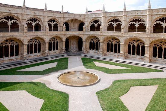 22765 jeronimos monastery lisbon