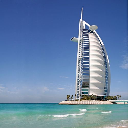 Burj al arab a dubai for Top ten hotels in dubai
