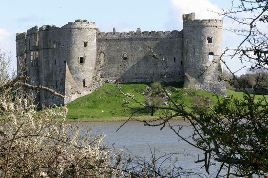 23341 carew castle pembrokeshire