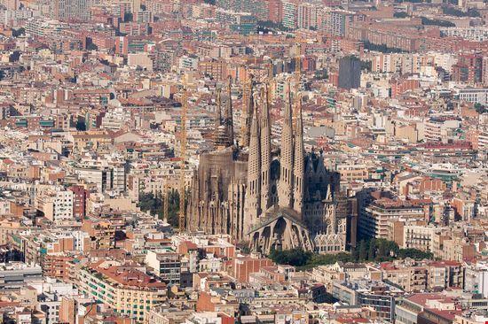23484 barcelona eine luftaufnahme der sagrada familia in barcelona