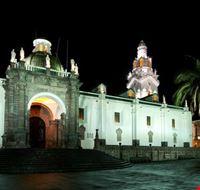 quito catedral de noche