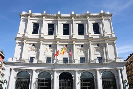 23667 madrid fachada del teatro real
