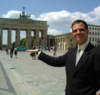 23684 berlin private tours in various languages with harald zawuski