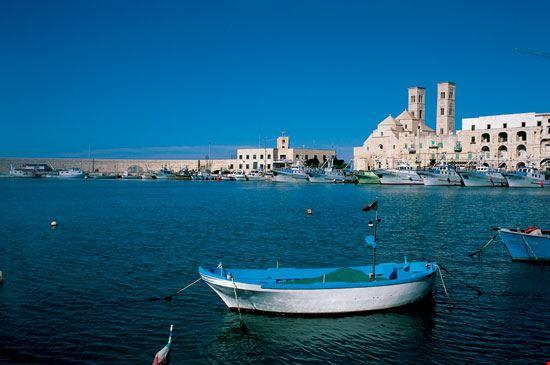 Il porto e il Duomo vecchio