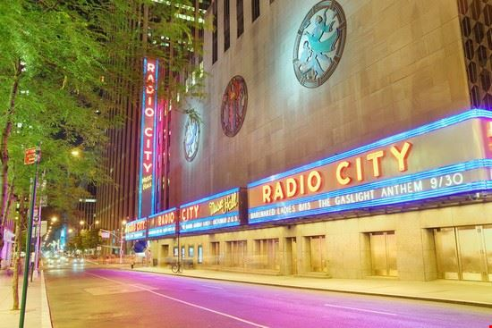 24561 new york radio city music hall