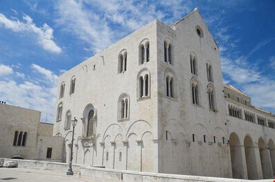 24690 bari basilica de san nicolas de bari