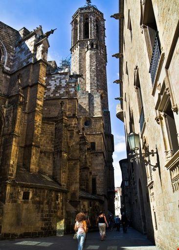 barcelona kathedrale im barrio gotico