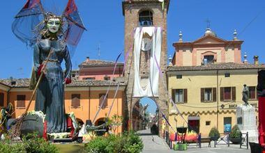 Streghe in piazza Silvagni