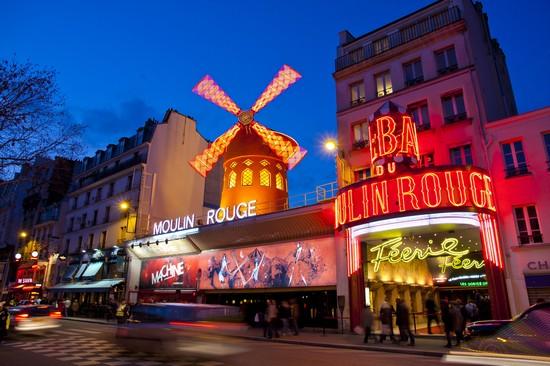 Foto Paris Pigalle A Parigi 550x366 Autore Virginie