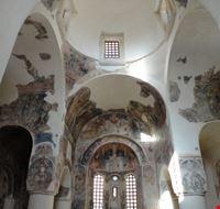 interni chiesa di san pietro otranto