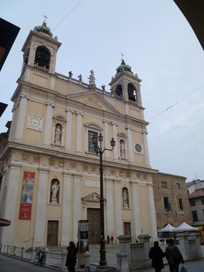 Matrimonio Romano Di Lombardia : Foto facciata della parrocchiale a romano di lombardia