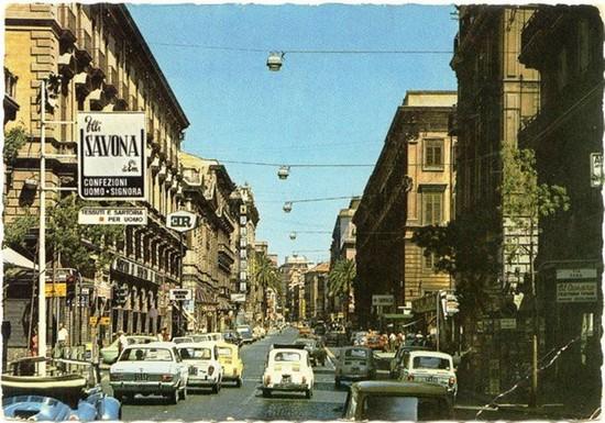 Foto via roma anni 60 a palermo 550x385 autore vito for Via roma 60