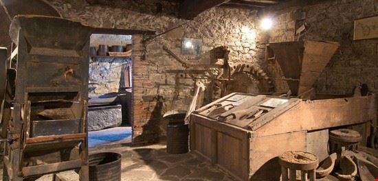 interno del museo del castagno