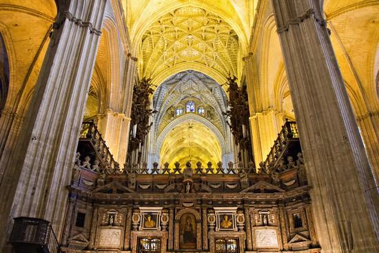 Kathedrale bilder und fotos aus sevilla 550x367 autore - Catedral de sevilla interior ...