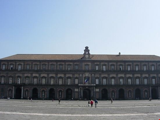 27750 naples royal palace naples