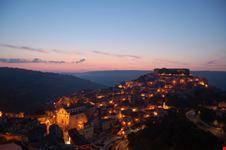 ibla di notte ragusa ibla italia