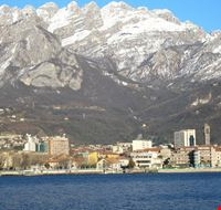 Panorama di Lecco con Monte Resegone