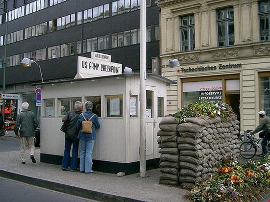 29790 berlino checkpoint charlie
