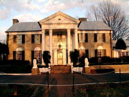 graceland elvis mansion