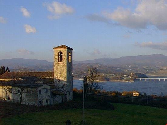 San giovanni in Petriolo a la diga di Bilancino
