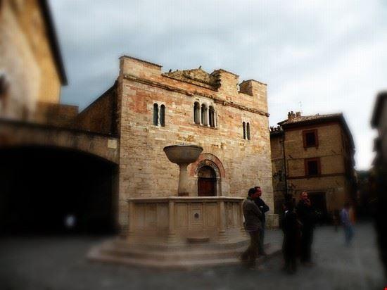La piazza della medievale bevagna