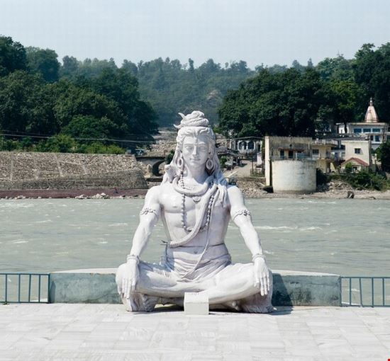 shiva hindu idol on the ganges rishikesh