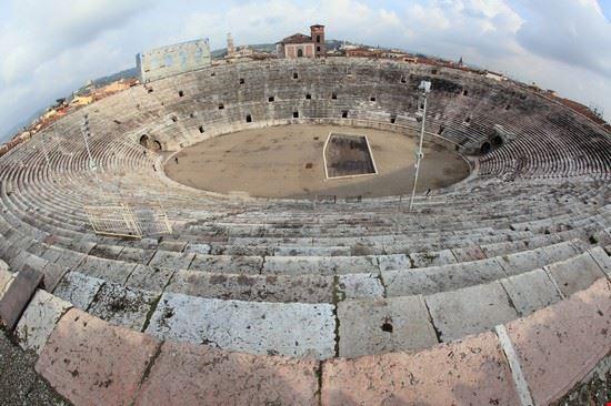 31915 verona teatro romano