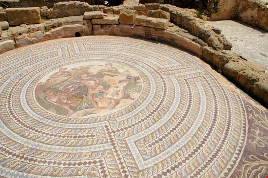 paphos mosaico nella casa di teseo del parco archeologico di nea paphos
