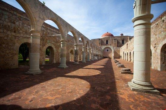 courtyard oaxaca
