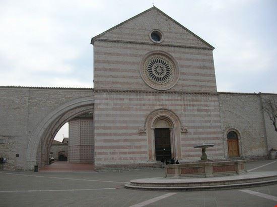 32945 chiesa di santa chiara assisi