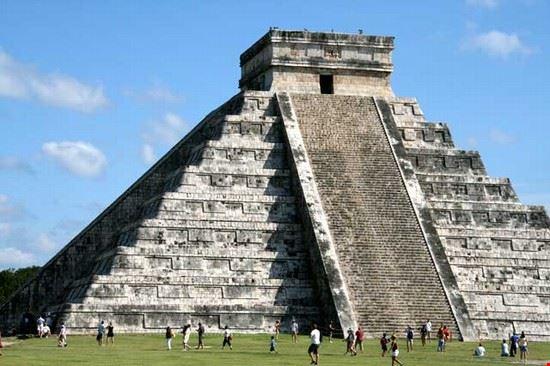 33264 cancun archaeology of chichen itza zone