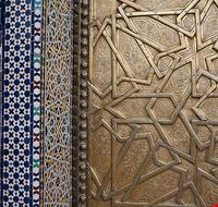 33286 fes particolare delle porte dorate del palazzo reale di fes