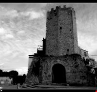 Antica torre nel rione di Castellone