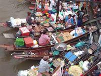 Ampawa mercato galleggiante