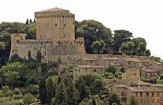 Il castello e le vecchie case