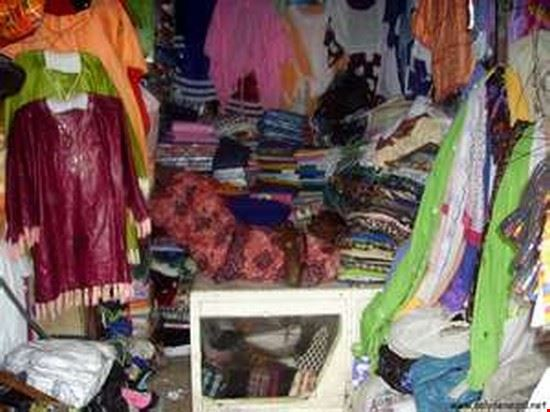 Traditional costumes, Marche artisanal de Goree