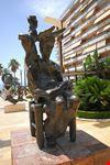marbella statue von salvador dali in marbella