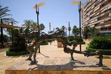 marbella skulptur von salvador dali