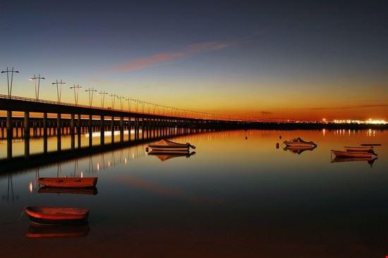 Sonnenuntergang im Hafen von Huelva