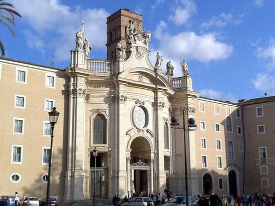 35201 roma basilica di santa croce in gerusalemme