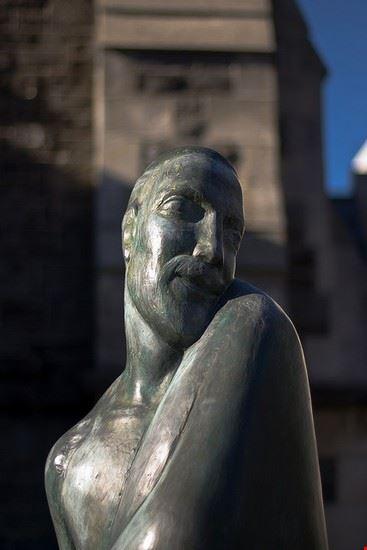christchurch christchurch statue auf dem cathedral square